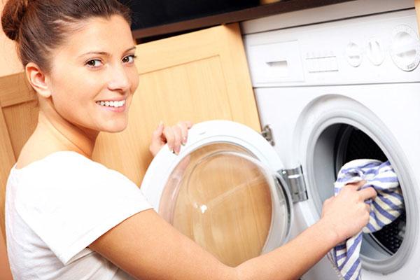 Ettől az 5 titkos mosási tipptől szebbek lesznek a ruháid
