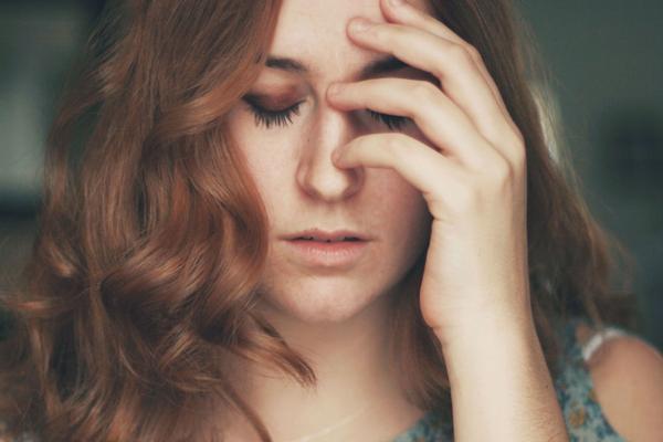 5 jel, amiből felismerheted a veszélyes típusú fejfájásokat