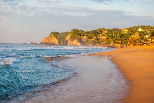 Íme, a 10 legmesésebb strandoló hely, ami egyben a legveszélyesebb is