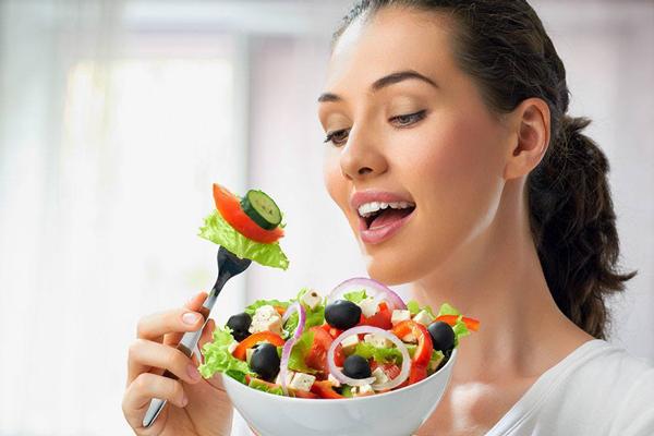 Ezzel a 9 étkezési trükkel növelheted a rezgési frekvenciáidat