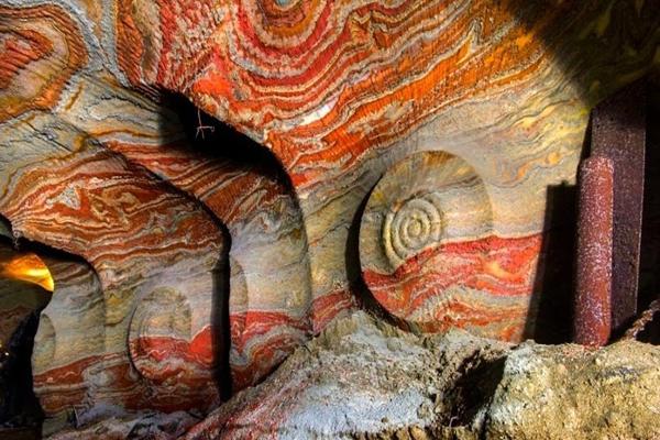 Ámulatba ejtő képek az orosz pszichedelikus sóbányáról!