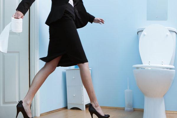 Ezt jelenti, ha 10-15 percnél többet ülsz a WC-n