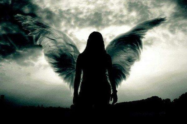 Ha igaz rád ez az 5 jel, a sötét angyalok uralkodnak az életeden