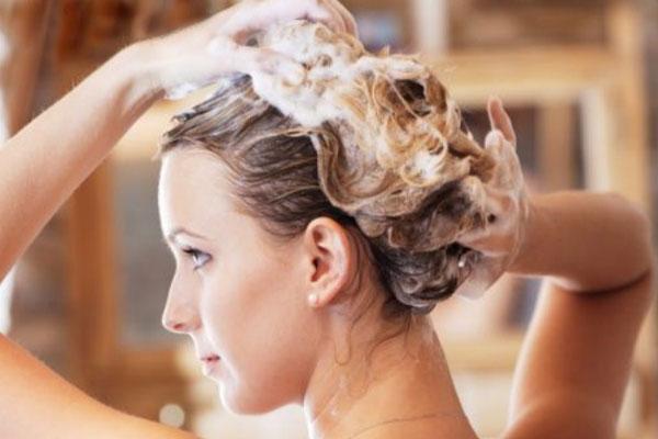 Íme, a megoldás, hogy egy hétig ne keljen hajat mosnod