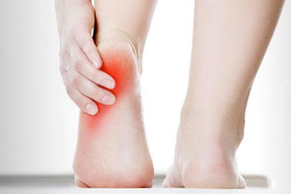 Ez a 10 oka lehet a rendszeres lábfájásnak