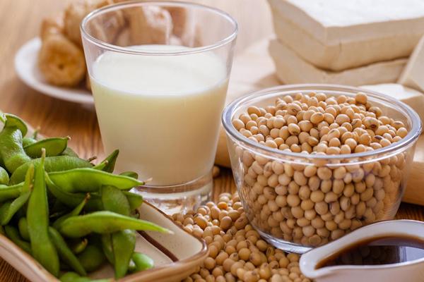 Elérhető a egészséges pajzsmirigyműködés ezzel a 9 táplálékkal