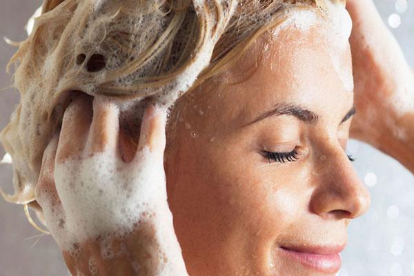 Ezzel a 9 tippel elérheted, hogy a hajad tovább maradjon tiszta és dús