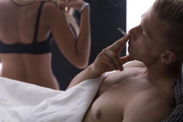 Szívesen teszik ezt a 6 dolgot a férfiak szex után tesznek