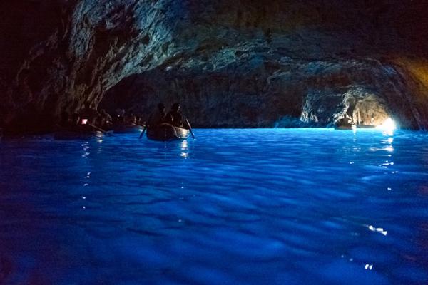Gyönyörű ez a 6 tengeri barlang