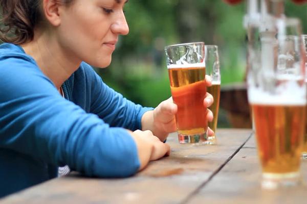 Tudd meg, mi történik veled ha kávét vagy sört iszol