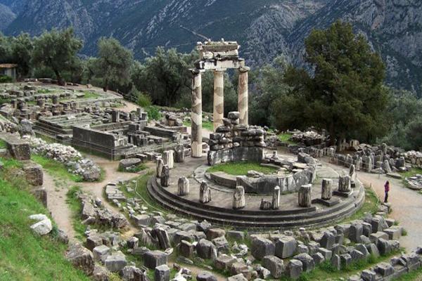 Mesés képeken a misztikus Delphoi jósda