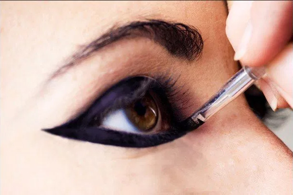 Így sminkeld a szemedet pillanatok alatt